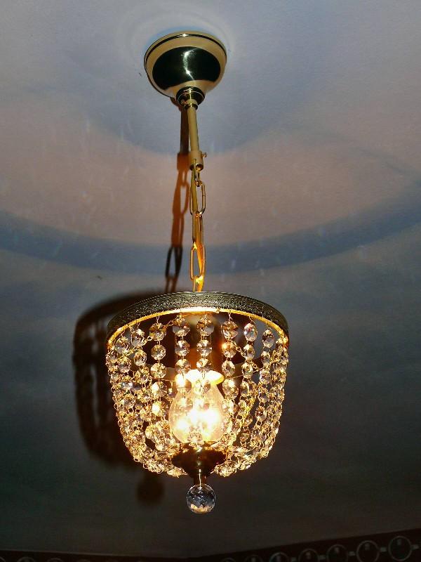 Mały tani żyrandol kryształowy z kryształami Swarovskiego