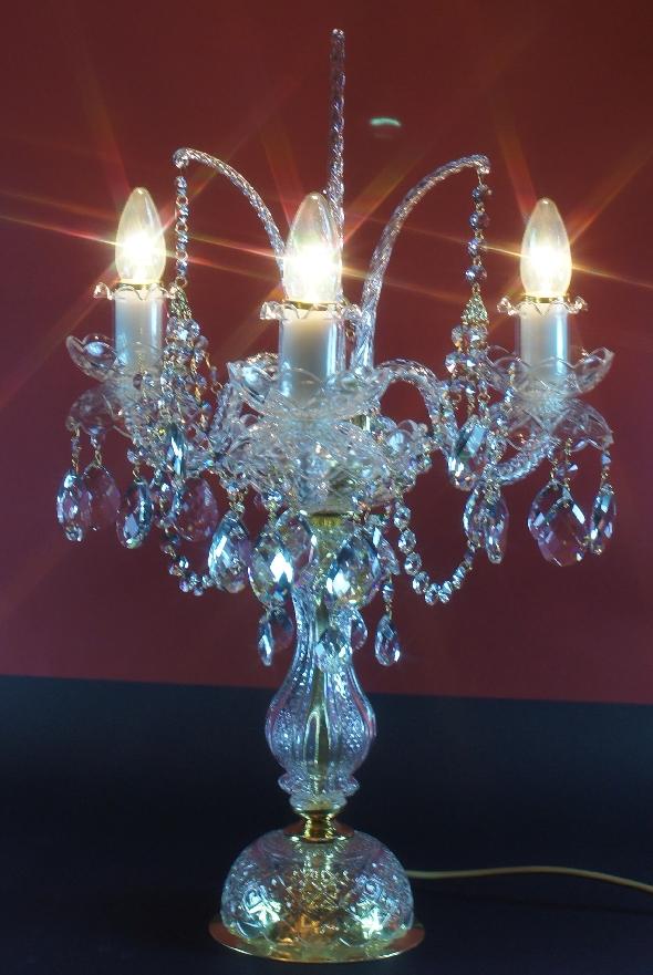 Stylowa kryształowa lampa stołowa na trzy żarówki