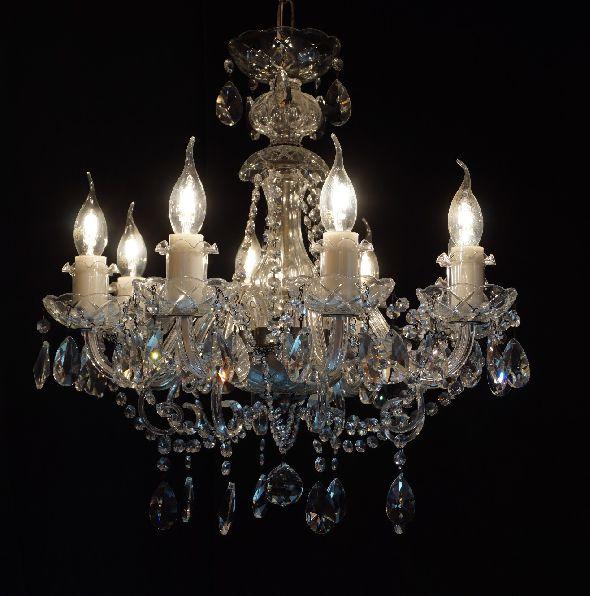 Modna lampa do salonu - z kryształami i elementami w kolorze patyny