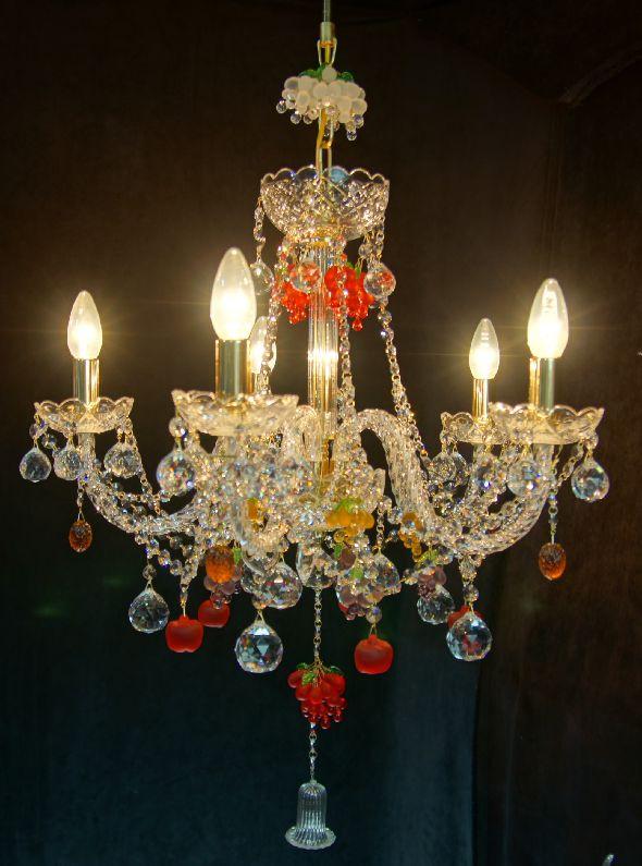 Kryształowa lampa do kuchni - zaprojektuj żyrandol według swojego pomysłu!
