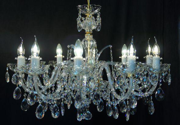 Duża lampa kryształowa do stylowego salonu lub jadalni