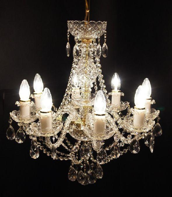 Stylowy żyrandol na osiem żarówek - Klasyczna lampa z kryształkami Swarovski