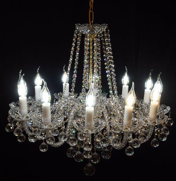 Piękny żyrandol kryształowy z 12 ramionami