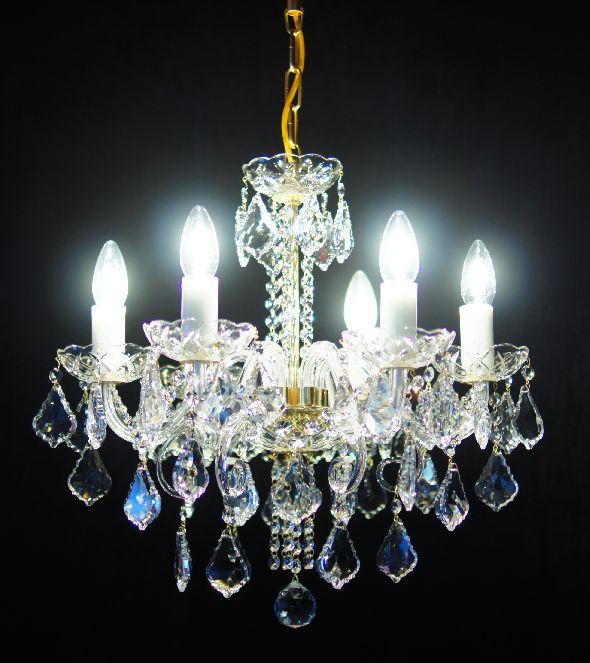 Lampa kryształowa z medalionami i łańcuszkami Swarovskiego