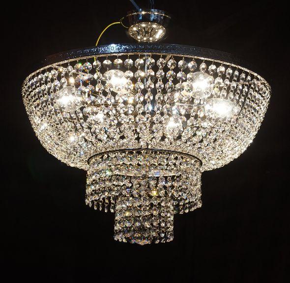 Lampa kryształowa do niewielkiego salonu lub sypialni